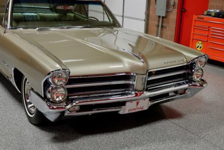 1965 Pontiac Bonneville 421 Tri-Power Sport Coupe | Red